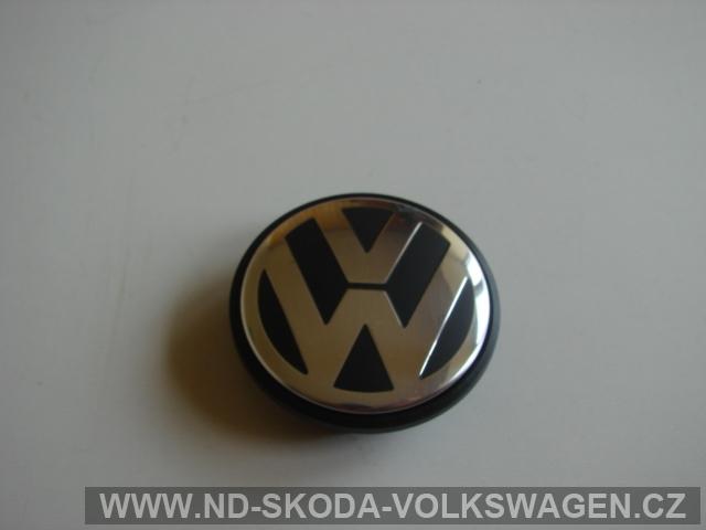 STŘEDOVÝ KRYT DISKU ALUKOLA VW PASSAT B6 PRŮMĚR STŘEDU KOLA 56mm,HLOUBKA ZACVAKOVACÍ DRÁŽKY 4mm