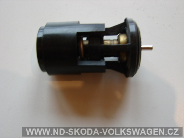 TERMOSTAT OCTAVIA  I  1,6 55KW    motor AEE